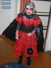 <h5>Cloonfour NS, Rooskey</h5><p>One of the 12 pupils (ranging from Junior Infants to 6th Class) from Cloonfour NS, Rooskey, Co. Roscommon, dressed in their homemade  Halloween costumes.  They are applying for their first Green Flag in Litter and Waste at the end of November.</p>