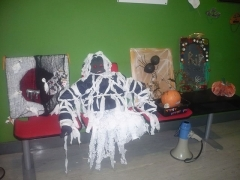 <h5>Cornafulla NS, Athlone, Co Roscommon. </h5><p>The winning masks and decorations in the two classes. Every child that brought in a mask or decoration got a treat. There was a 1st, 2nd and 3rd prize in every class. They have the winning masks and decorations displayed in the Reception area of their school.</p>
